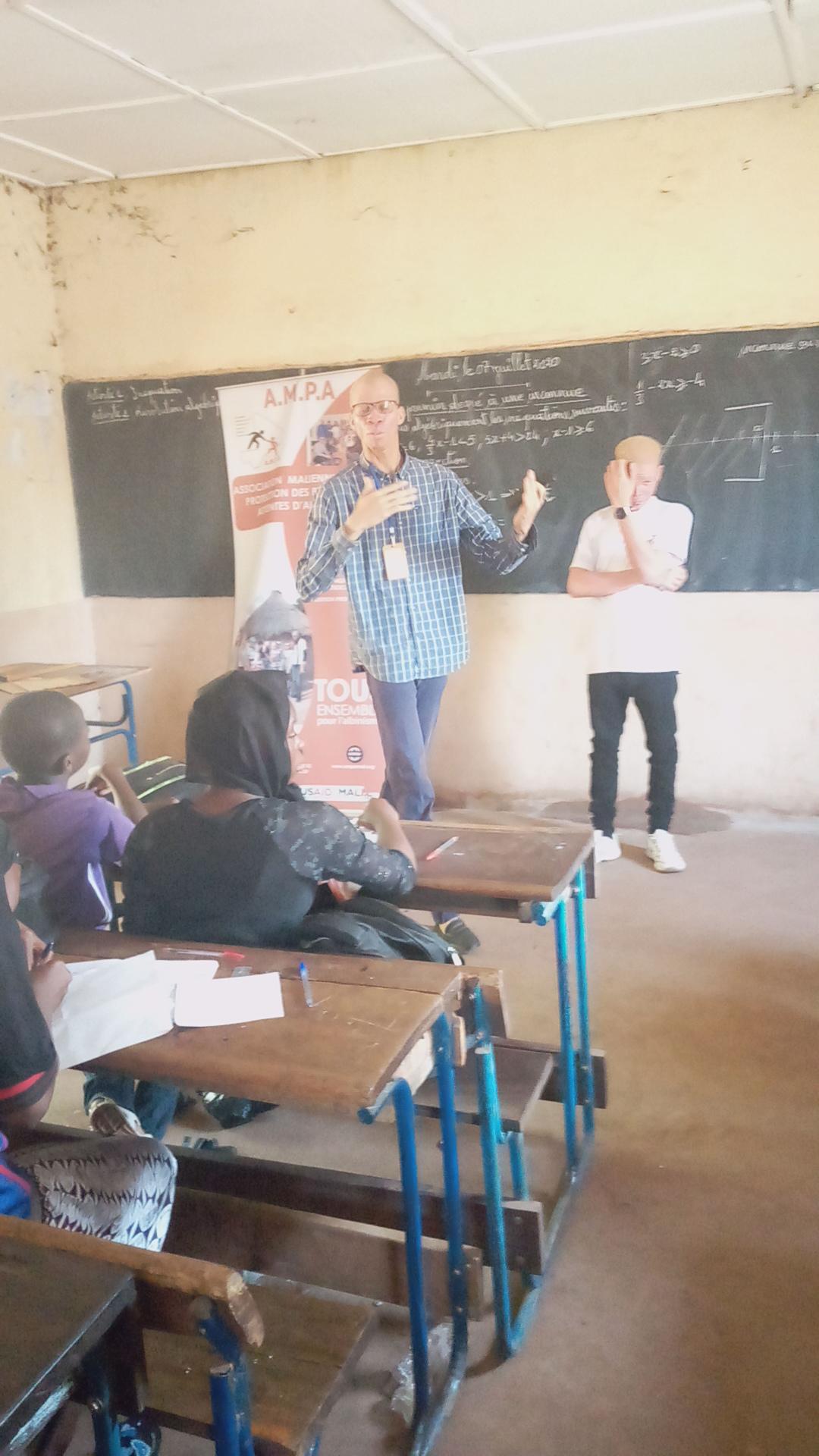 Sensibilisation sur l'albinisme dans 20 établissements scolaires du district de Bamako