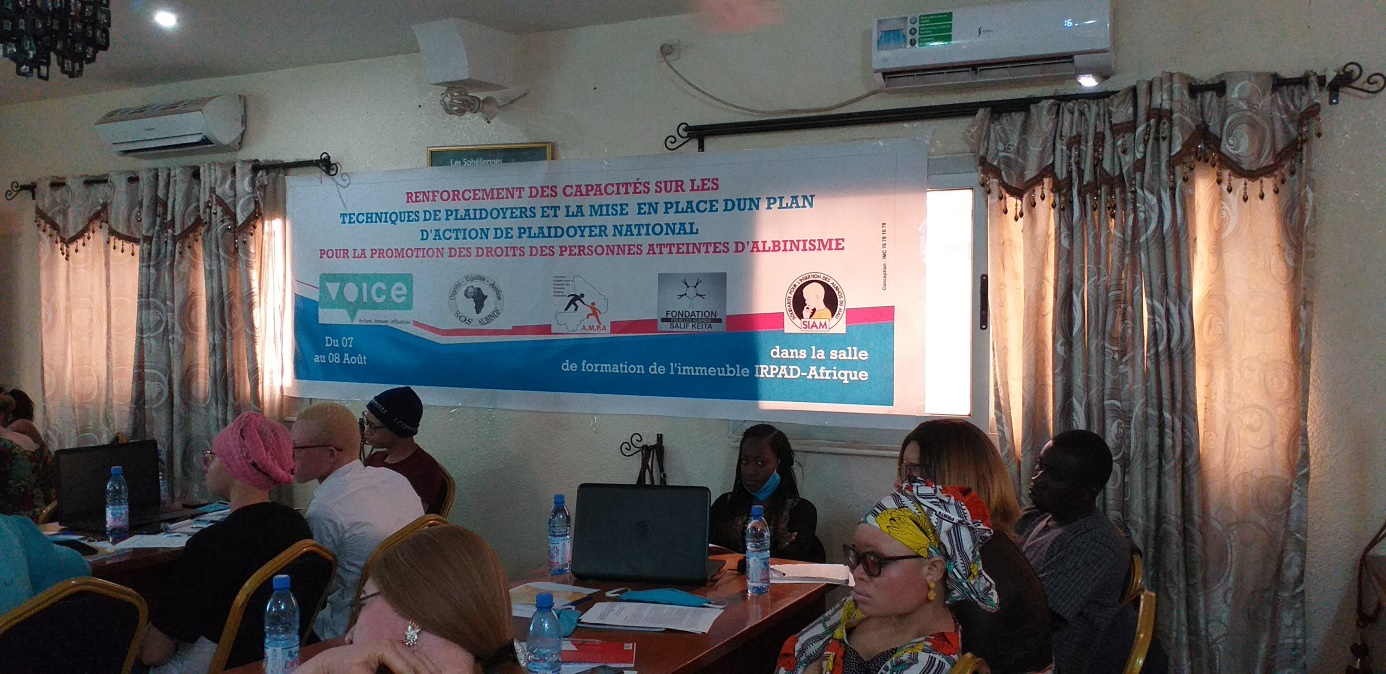 Renforcement de capacité de quelques membres des Personnes Atteintes d'Albinismes du Mali sur le Plaidoyer-Lobbying, dans la salle de l'IRPAD au siège d'AMPA les 07 et 08 Aout 2020